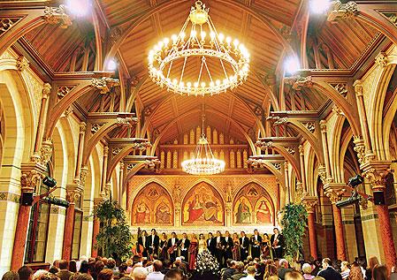 Viena es la capital de la Música y asistir a uno de sus conciertos en una visita que no te puedes perder.
